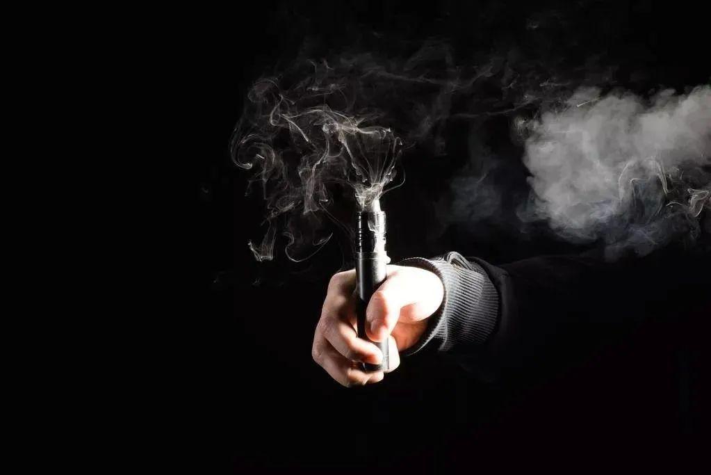 电子烟渠道新物种:潮牌店铺VS集合店?
