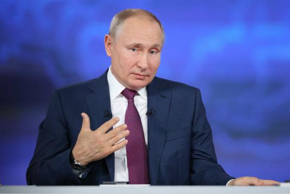 普京:英国驱逐舰事件不会引发第三次世界大战