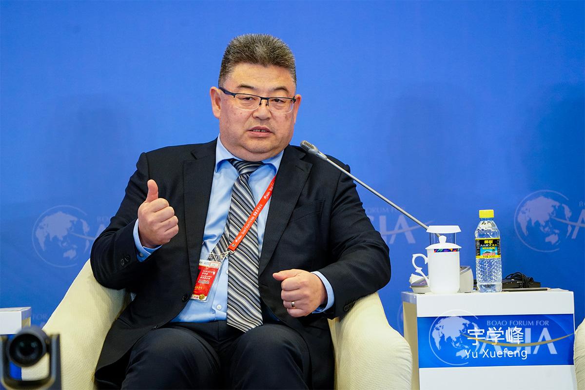 """4月18日,宇学峰在博鳌亚洲论坛2021年年会""""健康丝绸之路""""分论坛上发言"""