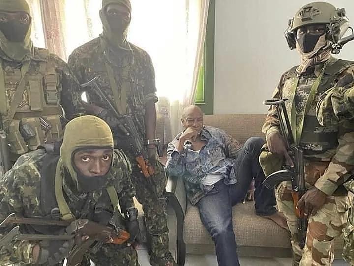 当地时间2021年9月5日,几内亚首都科纳克里,几内亚发生军事政变,几内亚总统孔戴被扣押。图 /IC photo