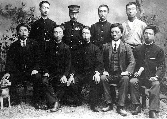 ▲1905年,华兴会部分成员合影,前排左4宋教仁