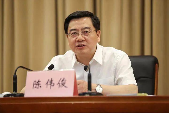 掌舵宁夏首府半年的他入疆 成最年轻党委常委