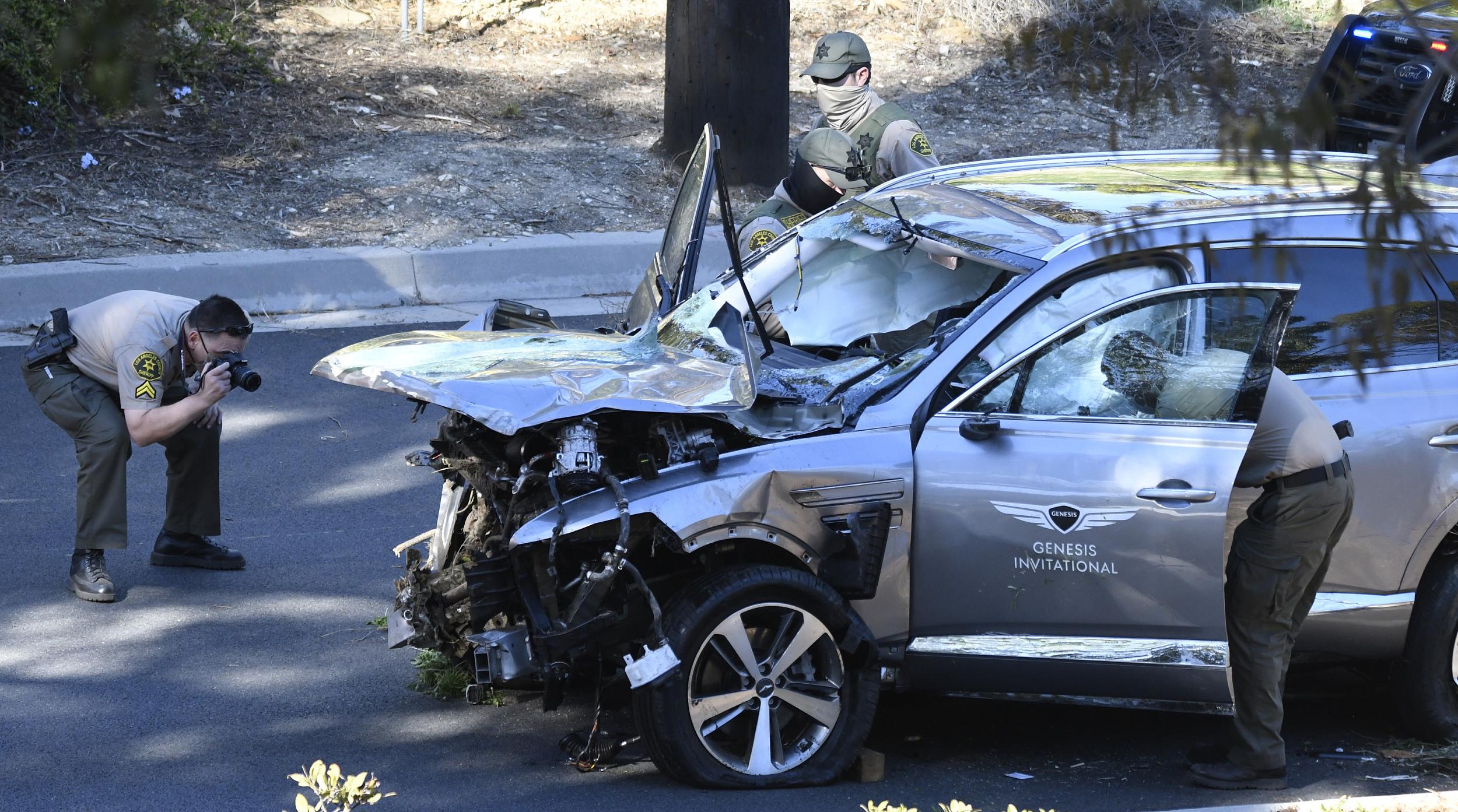 车辆受损严重。