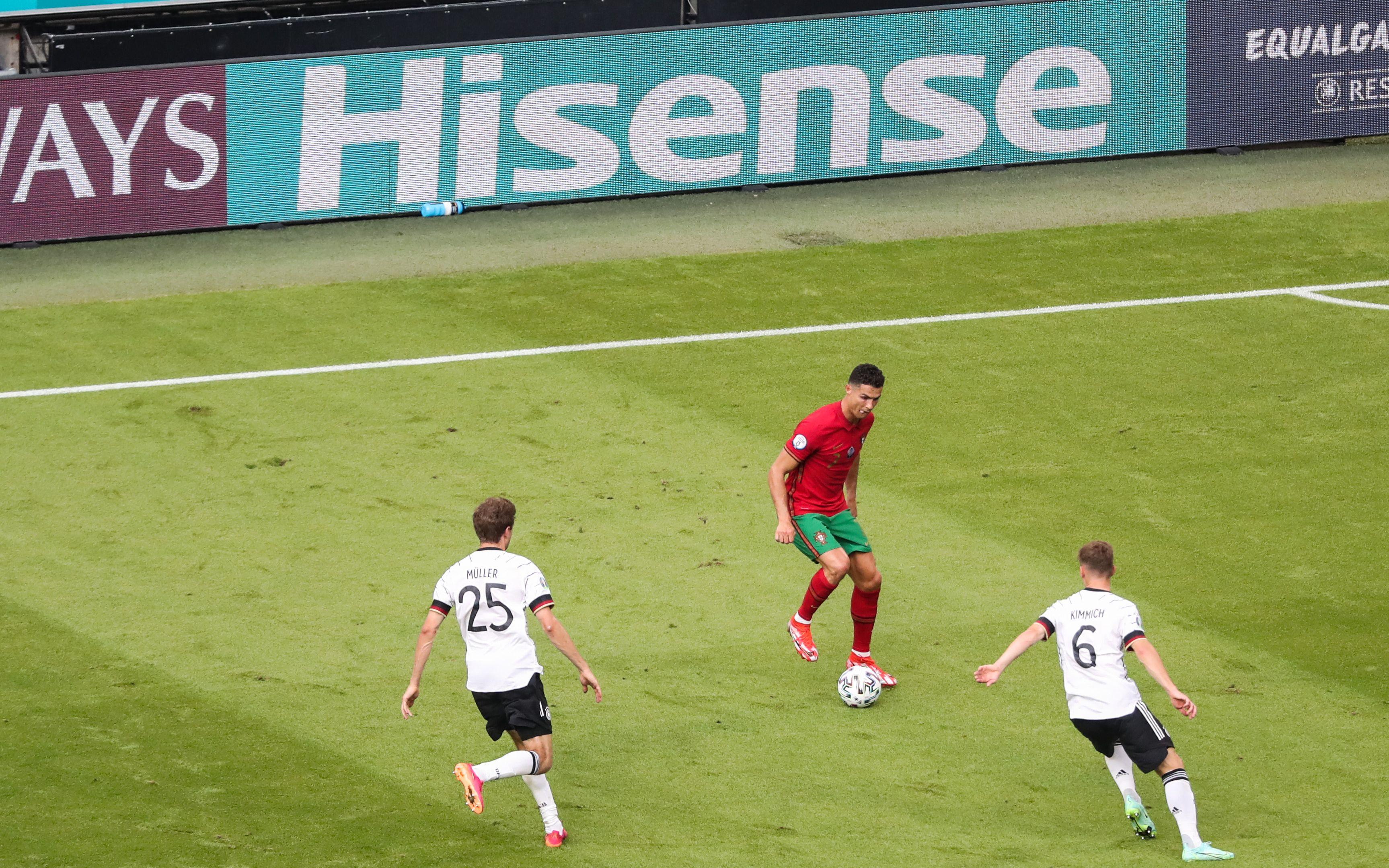 德国对阵葡萄牙时缺少对C罗的贴身盯防。
