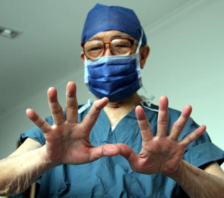 肝胆外科之父吴孟超 要开刀到100岁,最幸运的是倒在手术台边 最新热点 第2张
