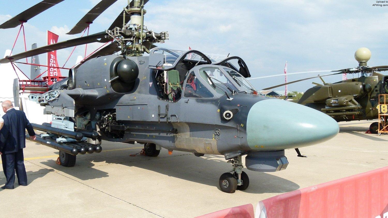 卡-52K直升机的旋翼可以向后折叠,减少占地面积。