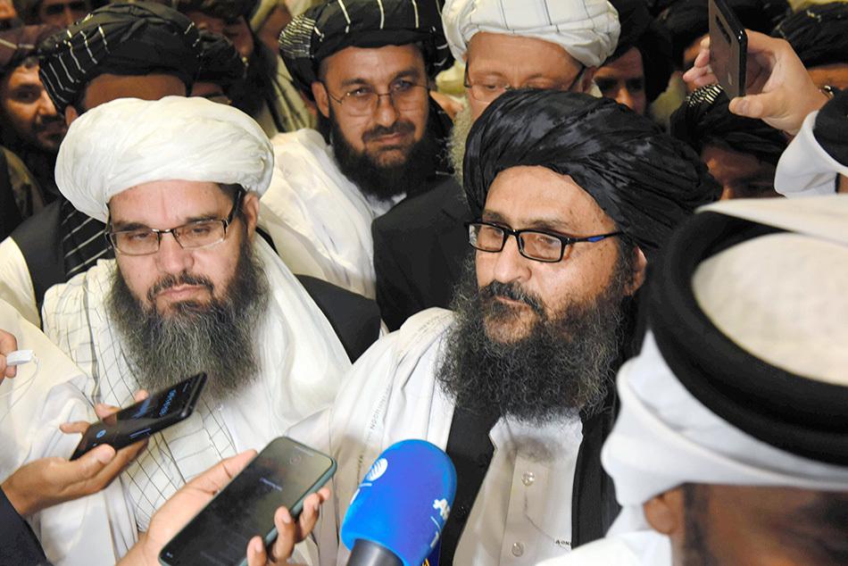 当地时间2020年2月29日,卡塔尔多哈,美国政府与阿富汗塔利班签署协定,停止自2001年起进行了长达18年的阿富汗战争。