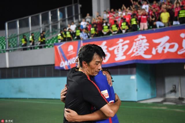 东体:政府出面后重庆仍欠薪三个月,有球员10月后没拿工资