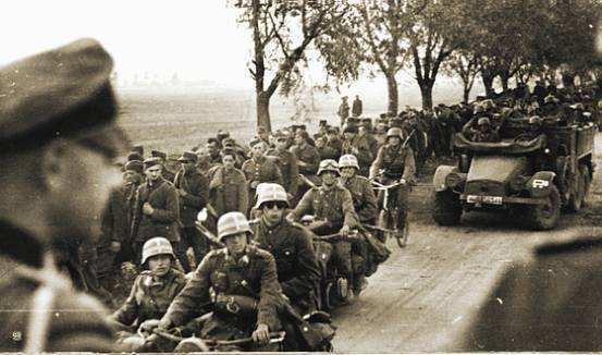 德军闪电开进波兰