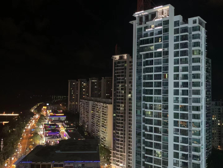 中国房价最贵的县城,除了旅游还有什么?