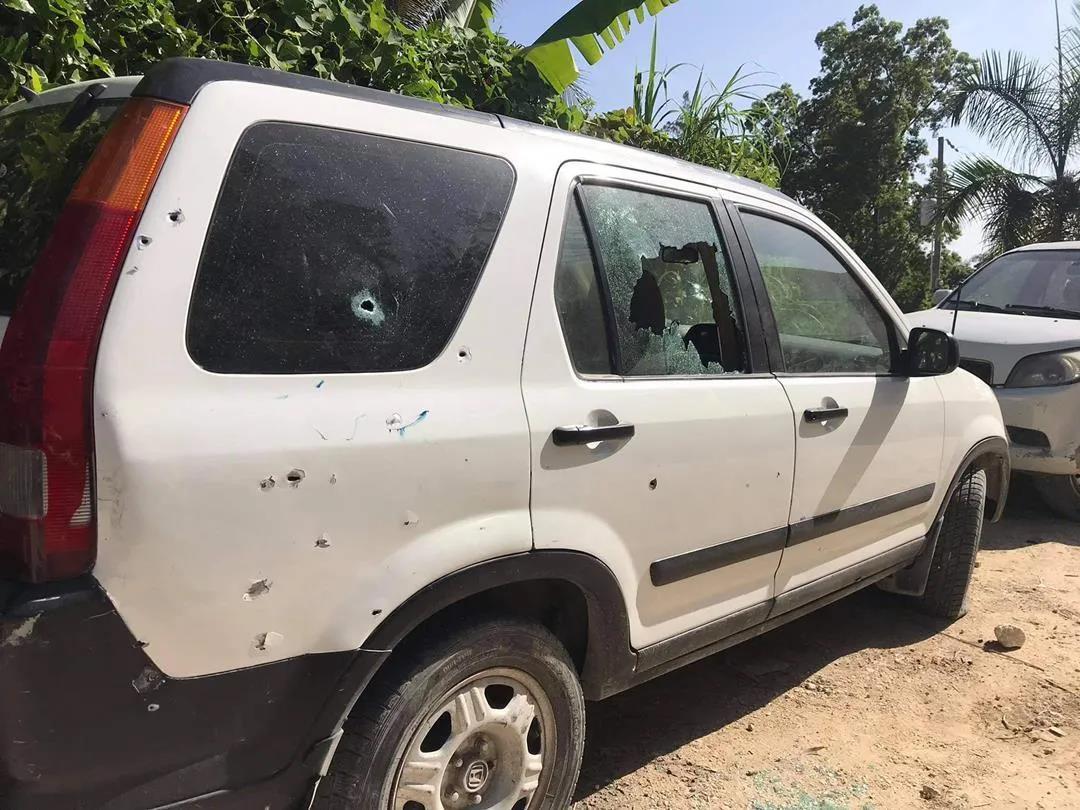 当地时间2021年7月7日,海地太子港,海地总统莫伊兹在私人寓所中遭袭身亡。图为受损的车辆。IC photo