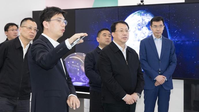 让优质资源通过人工智能技术直达大众,龚正调研人工智能产业