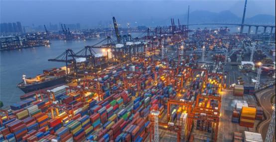 中国垄断集装箱制造,是在拥有技术能力、成本优势和庞大市场下取得的。