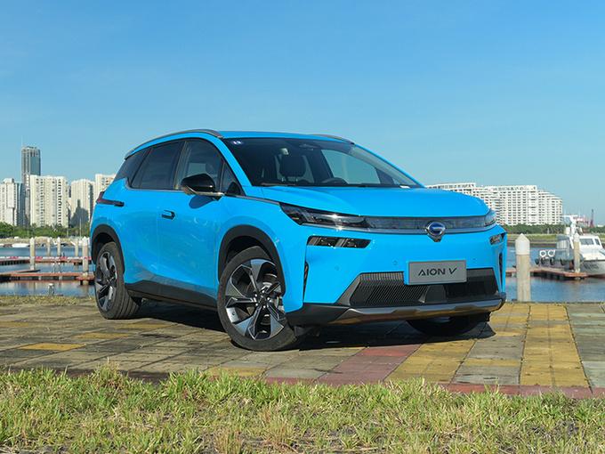 15万买长续航电动SUV 合资品质与自主翘楚同价你买谁-图3