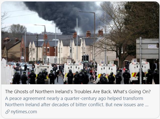 """困扰北爱尔兰的""""幽灵""""回来了。/《纽约时报》报道截图"""