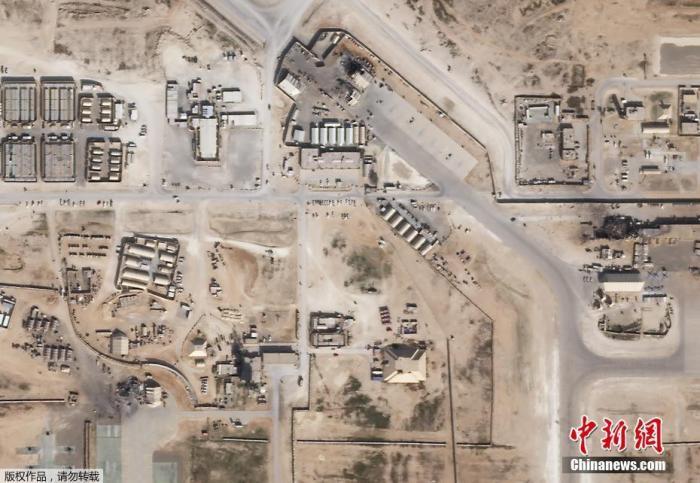 资料图:当地时间2020年1月8日,卫星图像显示,伊拉克西部的美国空军基地在受到来自伊朗的火箭袭击后,部分建筑物明显受损。