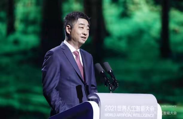 华为轮值董事长胡厚崑:根深叶茂,共筑人工智能新生态