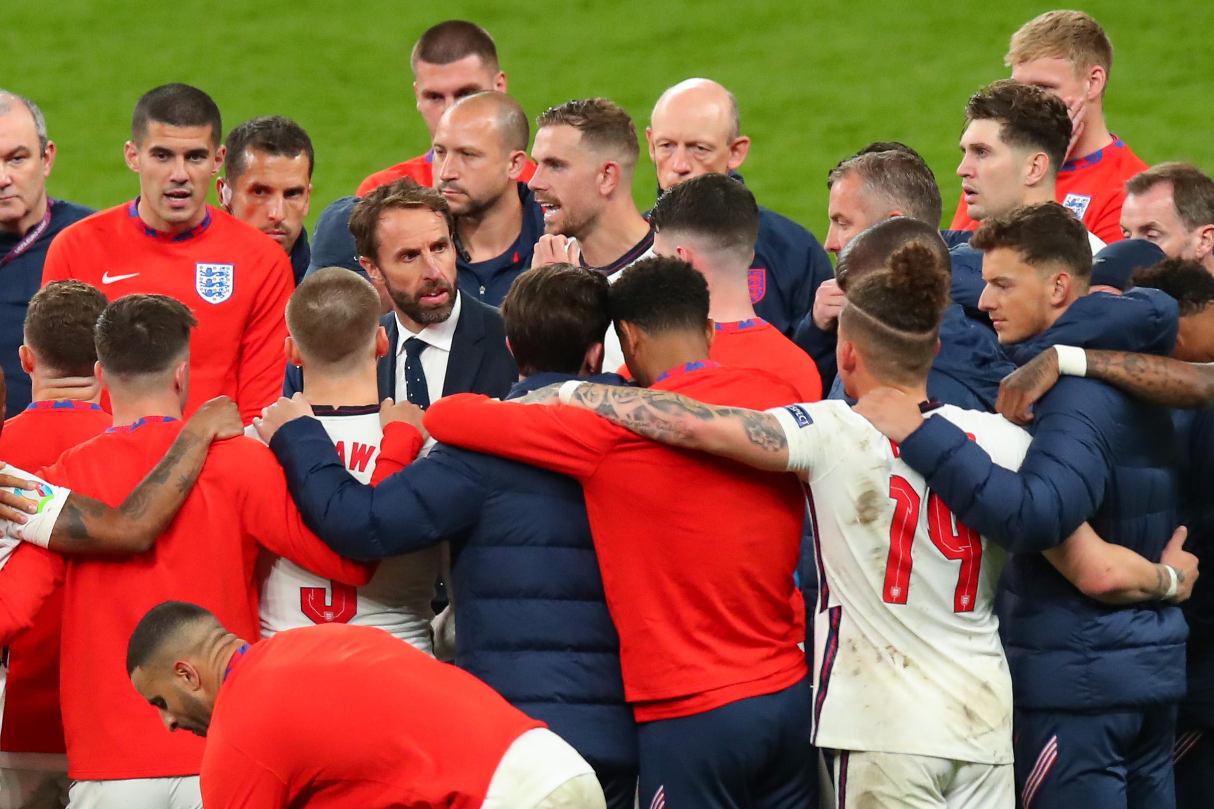英格兰队还将团结在索斯盖特身边。