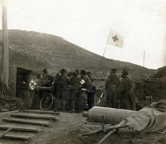 上图_ 俄军在旅顺的战地医院