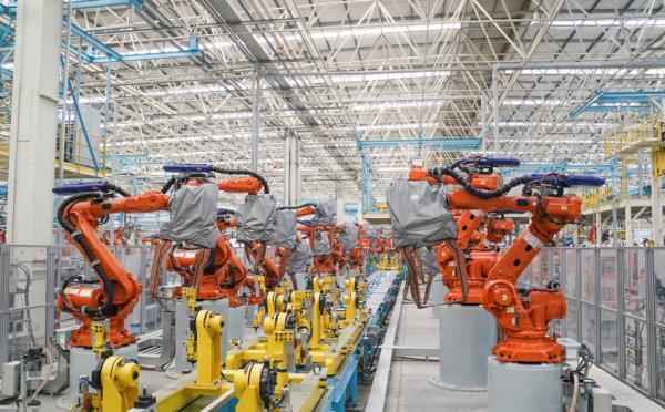 海马郑州第三工厂。