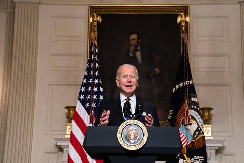 2021年1月27日,美国华盛顿,美国总统拜登签署了与气候危机有关的多项政策,并发表讲话。图自澎湃影像。