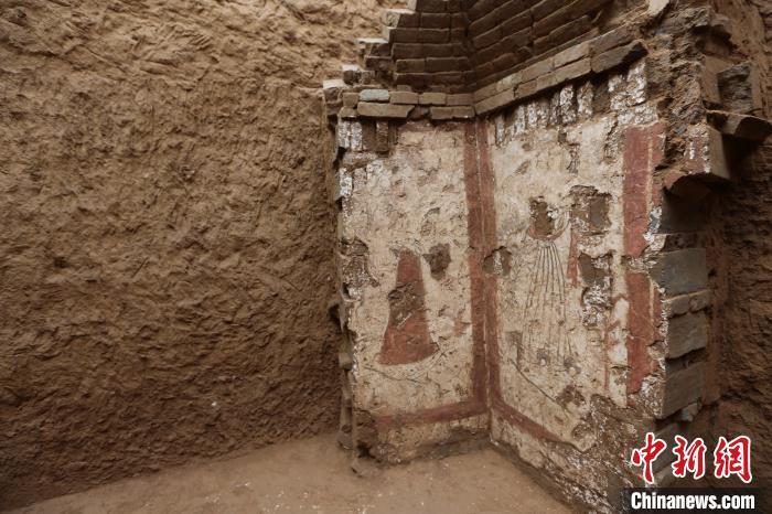 唐康善达墓墓室壁画。 陕西省考古研究院 摄