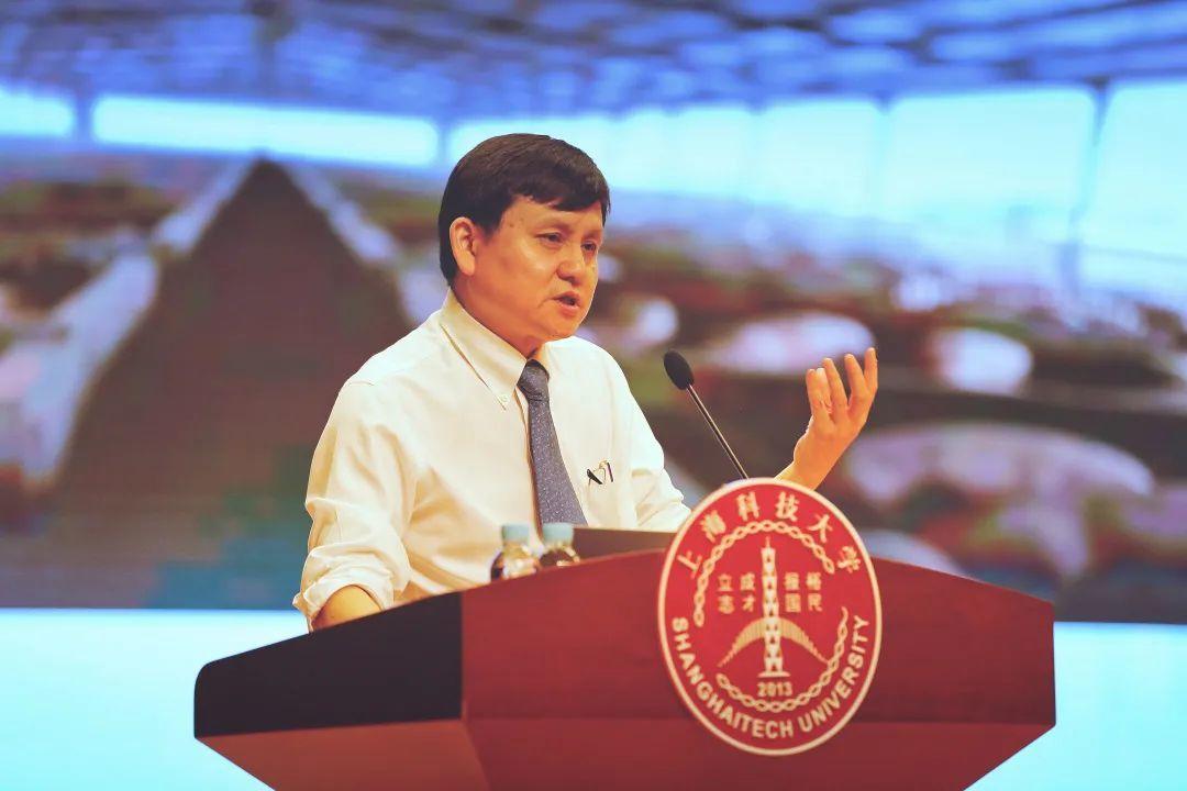 张文宏:科技、文明与体制 支撑着医生迎战传染病