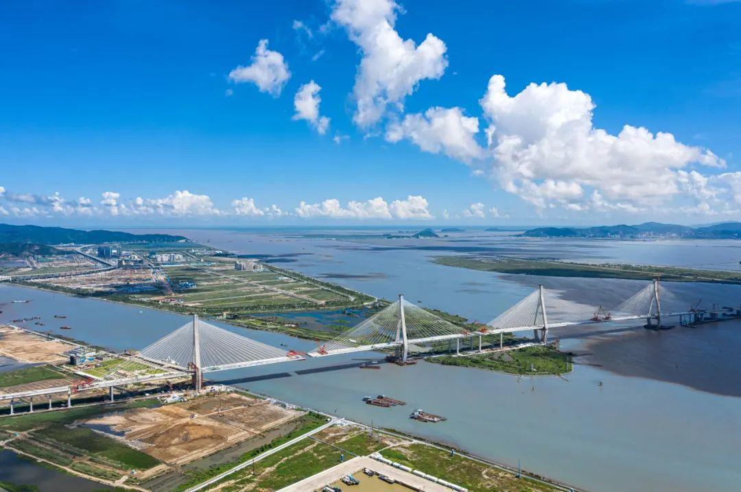 △2020年底,横跨珠海东西两区的洪鹤大桥通车。香海、金海大桥分别计划于2021年和2022年通车/ 图虫