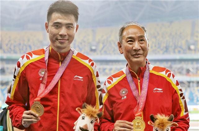 66岁孙海平满头银发手持金牌 下一个刘翔还未出现