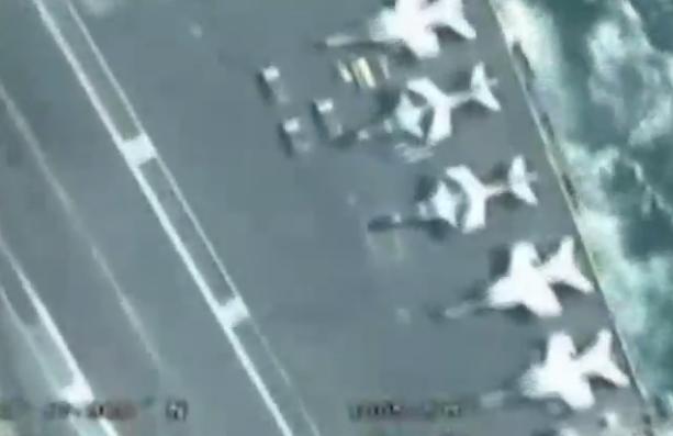 伊朗无人机拍下波斯湾美航母画面 含战机及设备