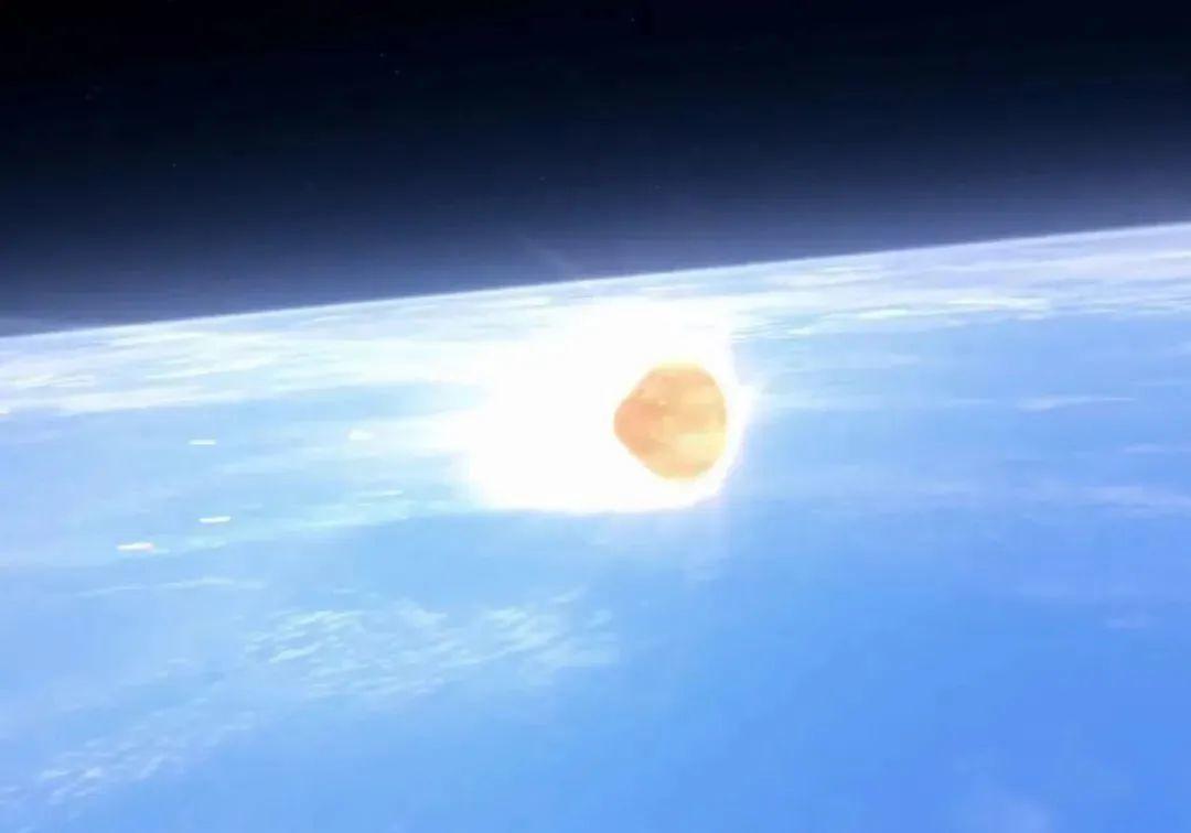 月地返回再入地球大气层需经受近3000摄氏度高温烧蚀