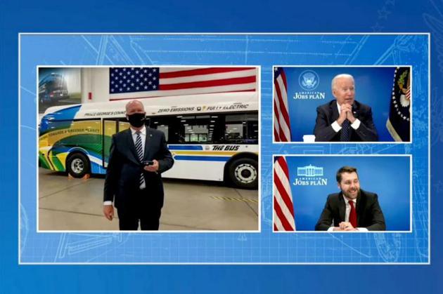 4月20日,美国总统拜登以视频方式参观美国一家新能源汽车生产中心 视频截图