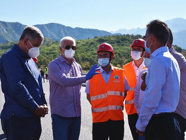 黑山前总理视察项目施工,图自中国路桥