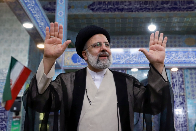 伊朗大选尘埃落定:强硬派莱西赢了,体制却危了