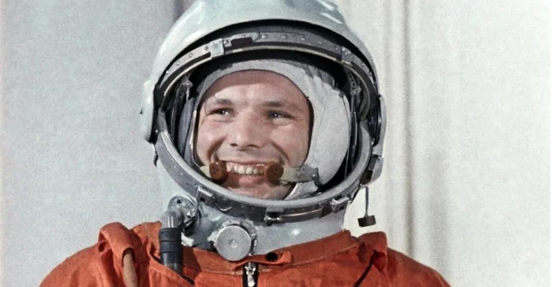 上图_ 尤里·阿列克谢耶维奇·加加林(1934年3月9日-1968年3月27日)