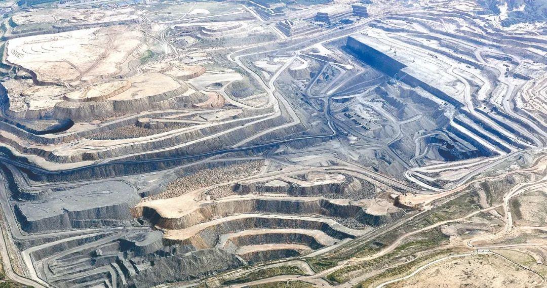 """铲除""""黑金""""!内蒙古涉煤领域专项整治查处厅局级干部62人"""