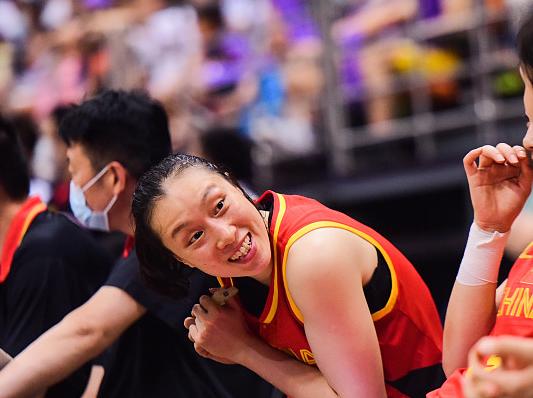 中国女篮队长邵婷