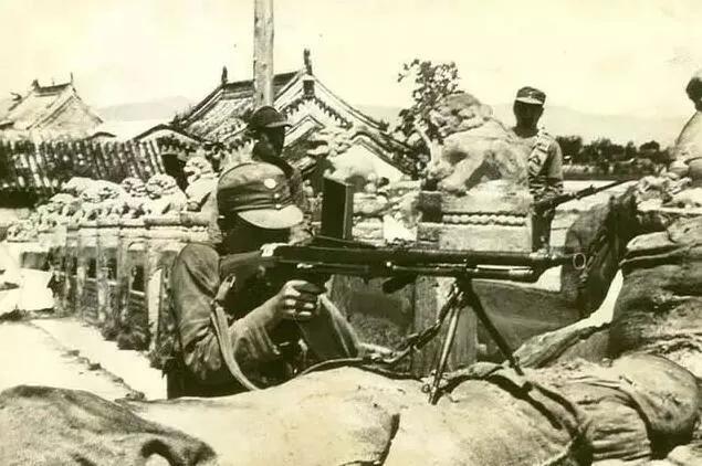 上图_ 七七事变:卢沟桥中国军队机枪阵地