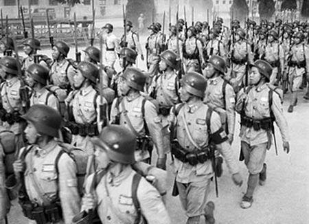 极盛时共有3个纵队、9个团,号称10万大军,实际人数大约在1万以上。
