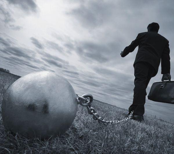 内控信披雷声不断,ST起步股价创上市新低股民索赔报名登记开启