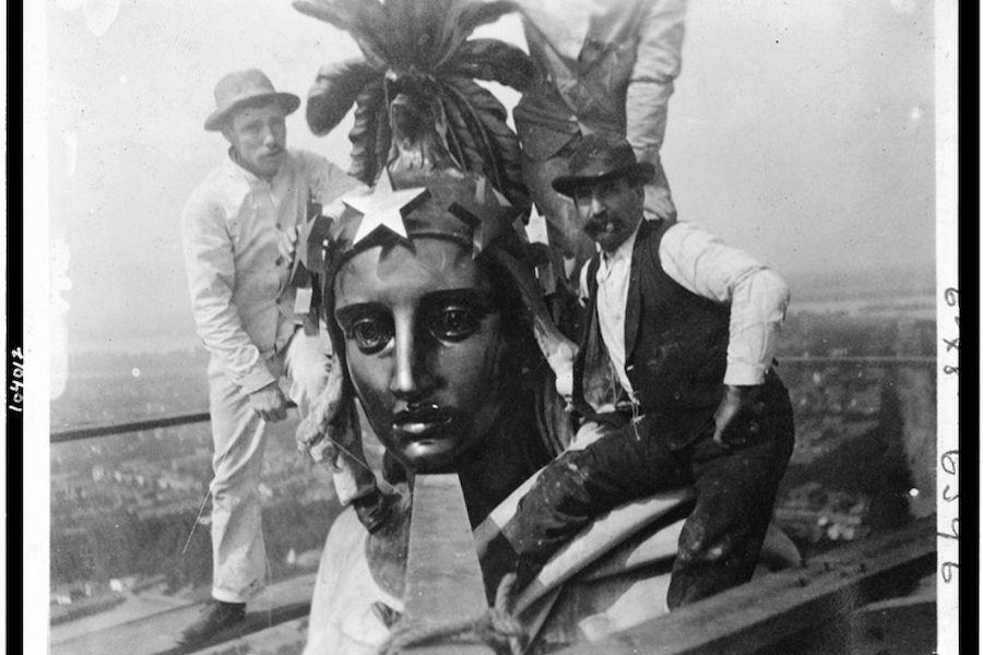 建造中的自由女神像