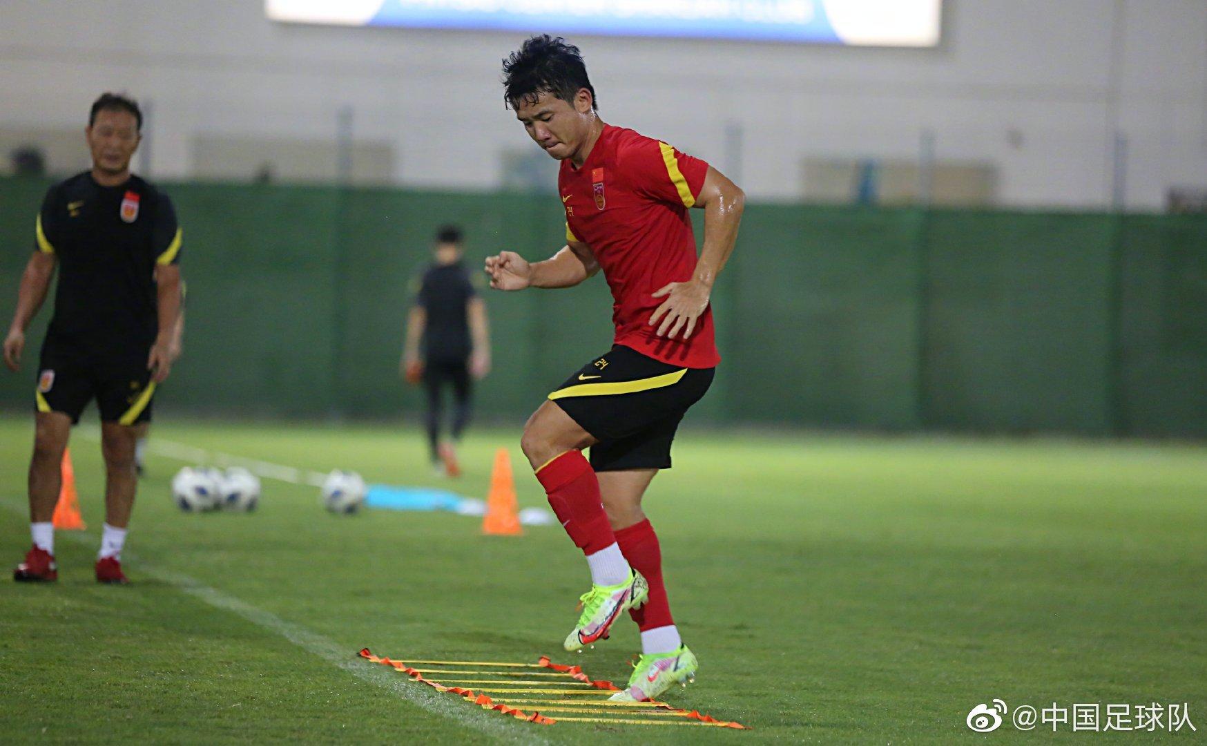 本期集训,国足将提高体能训练水准。