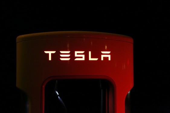 特斯拉人工智能日或7月下旬举行,超级计算机Dojo将至