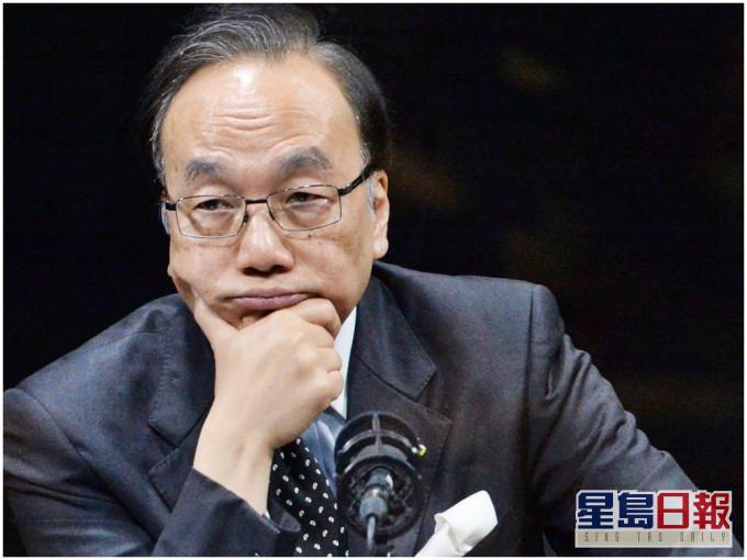 """【诺基亚wp8】_香港前反对派立法会议员为戴耀廷""""辩护"""",梁振英用形象比喻戳穿"""