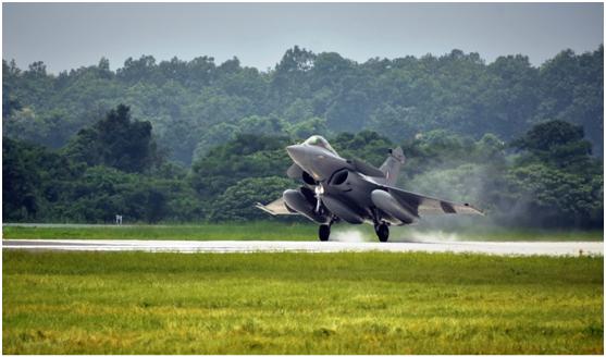"""编入印度空军第101中队的""""阵风""""战斗机"""
