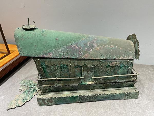 被盗的铜棺
