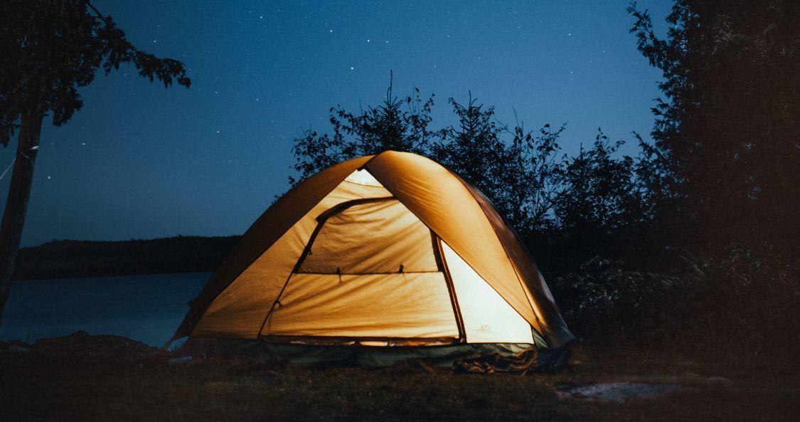 国庆假期,火的不只是各大旅游景点,还有城市郊区的各大露营地。