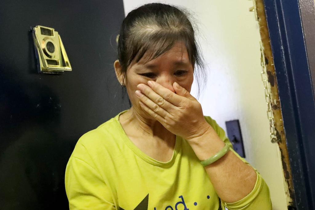 美国61岁华人捡易拉罐为生被打昏迷,头部遭狂踩,妻子哭诉(图1)