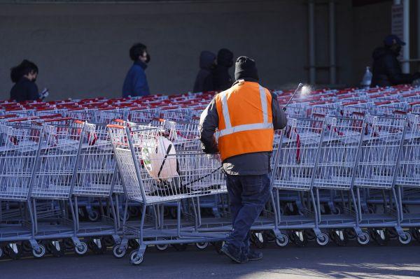 不用排队、还能促销:美一超市启用智能自动购物车 智能购物车