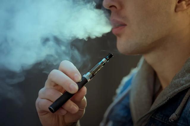 我在县城卖电子烟:同行数量暴增,快钱真的不好赚